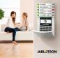 L'alarme JABLOTRON 100+ peut être utilisée dans des petits locaux ainsi que sur des grands sites. Elle propose de plus, en dehors de sa fonction de sécurité, des fonctions domotiques. L'ensemble du système peut être commandé à distance par l'intermédiaire